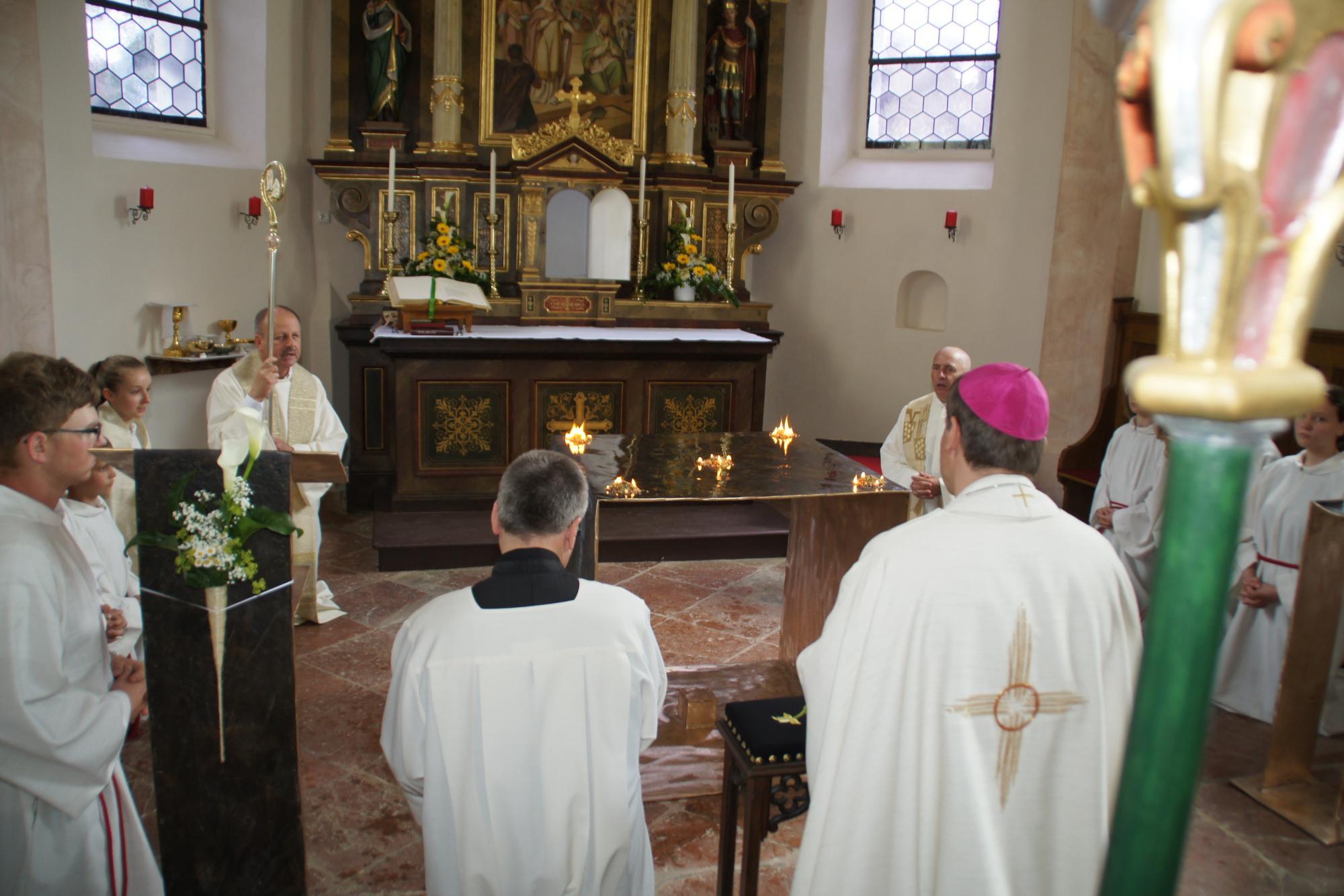 Altarweihe-Lengsham-DSC06308
