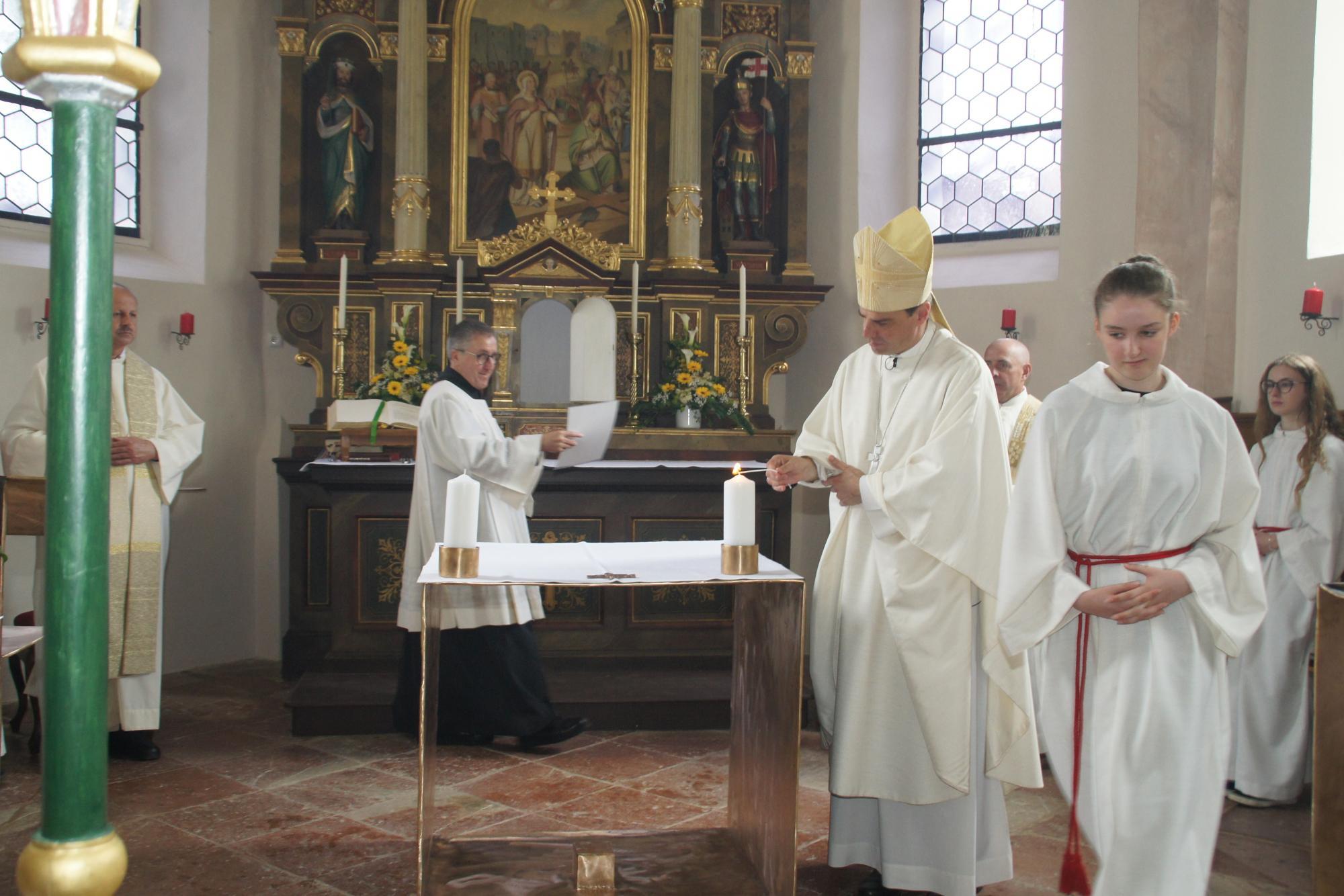 Altarweihe-Lengsham-DSC06321