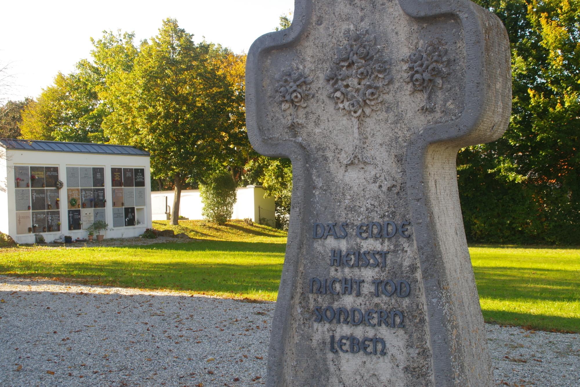 Friedhofskreuz Triftern