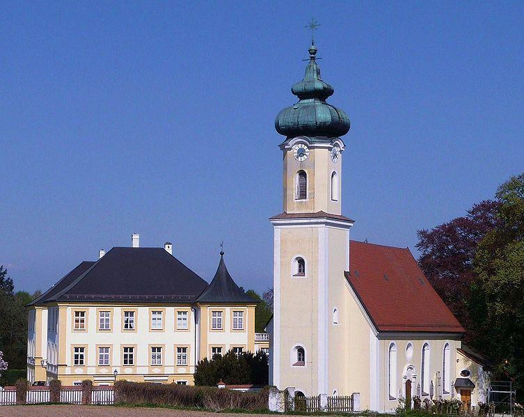 Schloss und Kirche Schoenburg