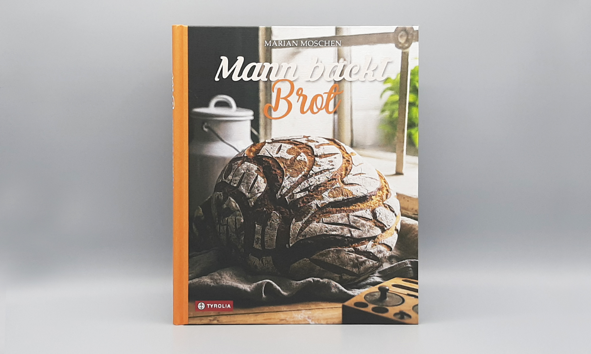 Mann backt Brot2