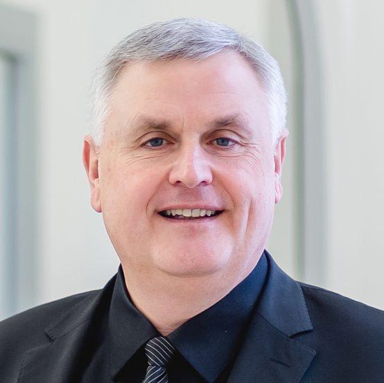 Dr. Michael Bär